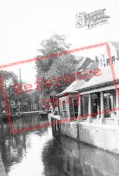 Canal c.1930, Gouda