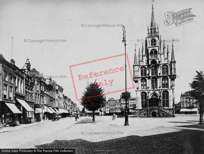 Photo of Gouda, Market Square c.1930