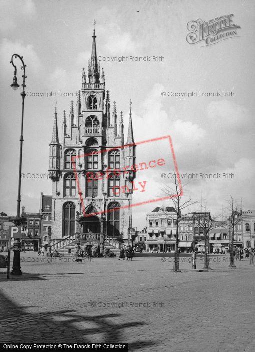 Photo of Gouda, The City Hall 1938