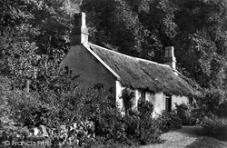 Gourock, Clock Point Pilot's Cottage 1900