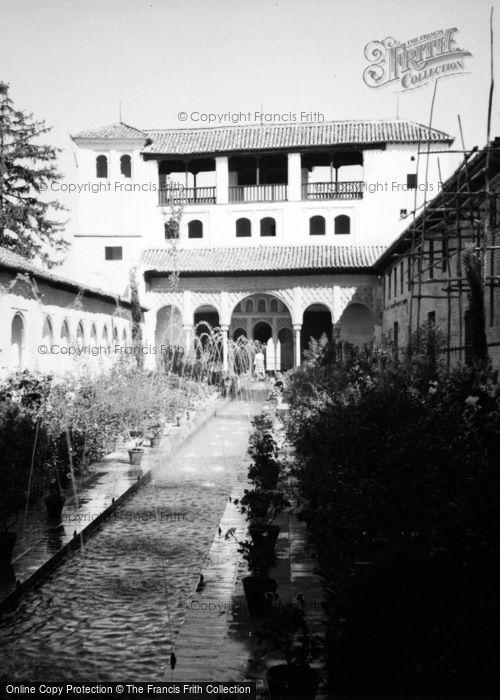 Photo of Granada, Generalife 'court Of The Pool' 1960