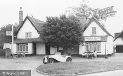 Grantchester, Customers At The Green Man c.1950