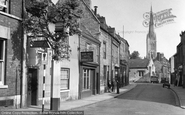 Grantham, The Bee Hive Inn c.1955