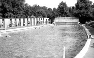 Grantham, the Swimming Pool c1955