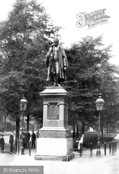 Grantham, Tollemache Statue 1893