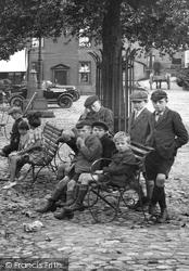 Grassington, Children In The Square 1926
