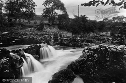 Grassington, Linton Falls 1926