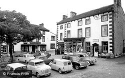 Grassington, The Square And Devonshire Hotel c.1965