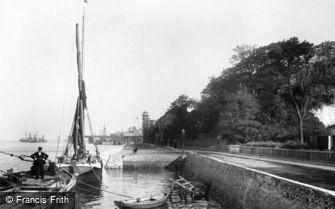 Gravesend, Clifton Marine Parade c1898
