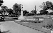 Gravesend, Gordon Statue c.1955
