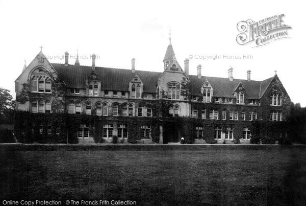 Gravesend Milton Mount College 1902 Francis Frith