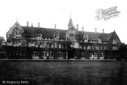 Gravesend, Milton Mount College 1902