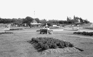 Grays, Socketts Heath, Daneholes Roundabout c1955