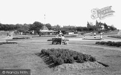 Grays, Socketts Heath, Daneholes Roundabout c.1955