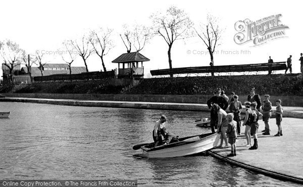 Grays, the Childrens' Boating Pool c1955