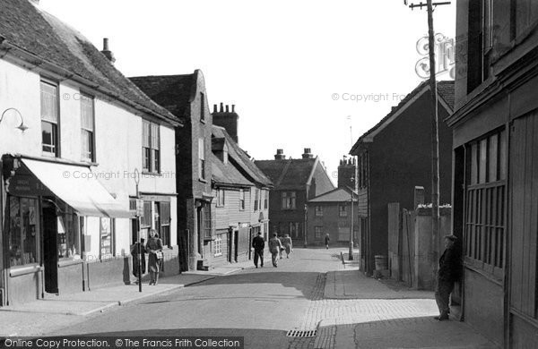Grays, the Old High Street 1960, Essex.  (Neg. G85007)  © Copyright The Francis Frith Collection 2005. http://www.francisfrith.com