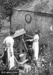 The Well, Bowes Cottage, Whitmore Vale 1915, Grayshott