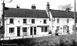 Great Baddow, White Horse And Pump c.1965