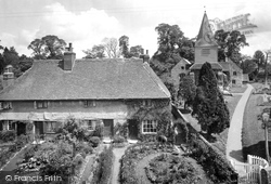 Great Bookham, Old Cottages And St Nicolas Church 1921