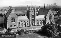 Great Malvern, College c.1870