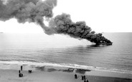 Great Yarmouth, a Petroleum Ship on fire 1902