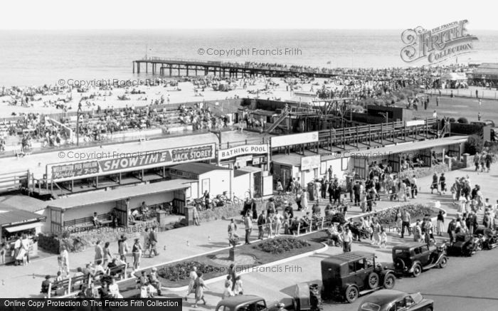 Photo of great yarmouth bathing pool and jetty - Great yarmouth swimming pool times ...