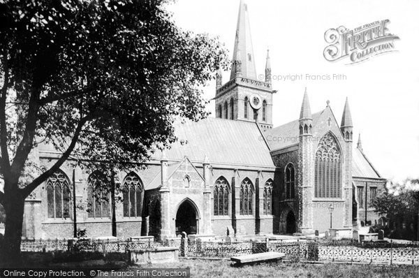 Photo of Great Yarmouth, Church of St Nicholas, south side 1887