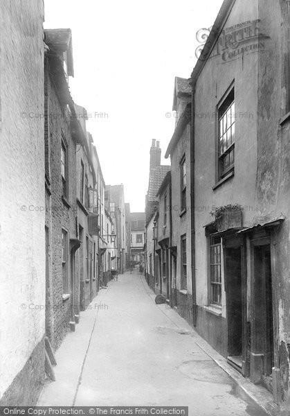 Photo of Great Yarmouth, Row 1922