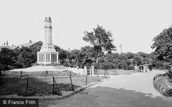 Great Yarmouth, St George's Park and War Memorial c1920