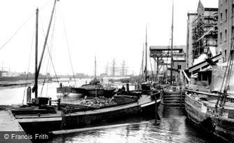 Grimsby, Alexandra Dock 1904