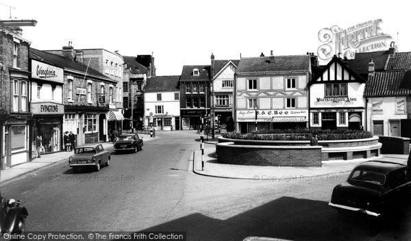 Grimsby, Bull Ring c1965