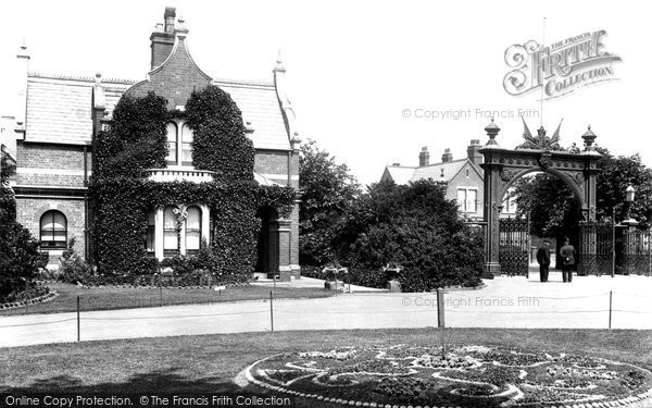 Grimsby, People's Park 1904