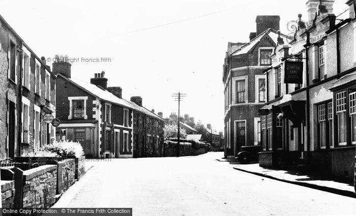Groeslon, Main Road c1955