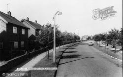 Guidepost, Ashington Drive c.1960, Guide Post