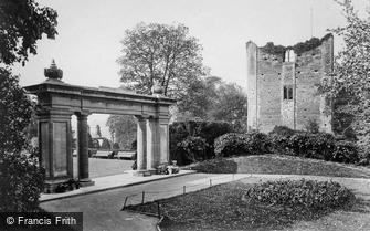 Guildford, Castle and War Memorial 1923