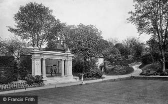 Guildford, Castle Grounds, War Memorial 1922