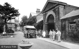 Guildford, Military Hospital 1917