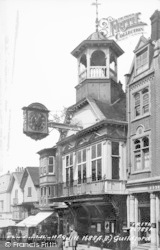 Guildford, The Guildhall (Built 1683) 1935