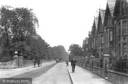 Guildford, Woodbridge Road 1906