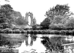 Guisborough, Priory And Lake 1932
