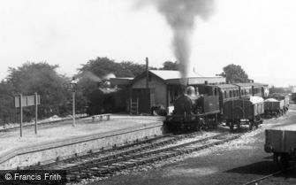 Gunnislake, Train in the Station 1908
