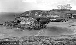 Gunwalloe Beach And Church c.1960, Gunwalloe