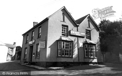 The Inn c.1960, Gweek