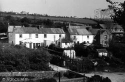 Village 1960, Gweek
