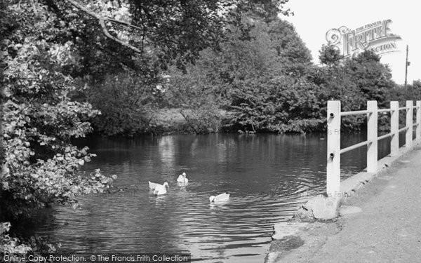 Photo of Haddenham, Banks Pond c1960