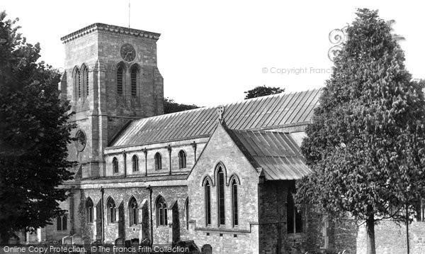Haddenham, the Holy Trinity Church c1950
