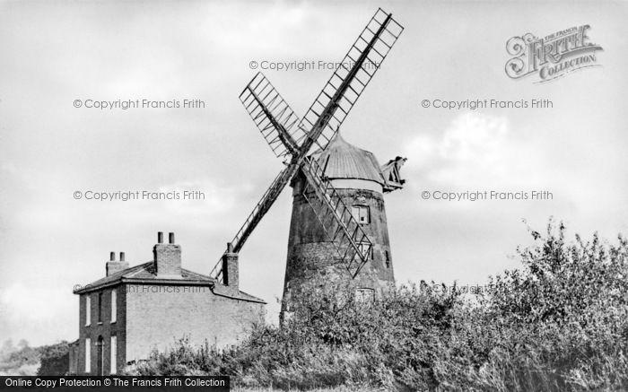 Haddenham, the Mill c1950