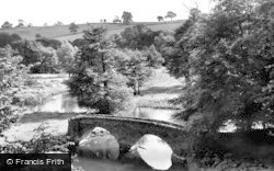 Dorothy Vernon's Bridge c.1955, Haddon Hall