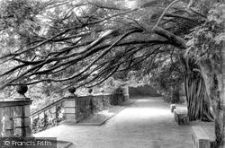 Terrace Walk 1902, Haddon Hall