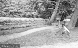 Hadleigh, River Walk c.1965